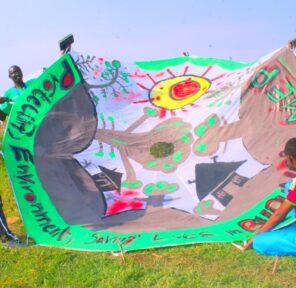 Education Watch Burundi - EWB (25 Parachutes)
