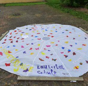 Lautertal School (2 Parachutes)