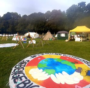 COP26 Glasgow (30 Parachutes)